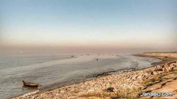কোলাহল থেকে মুক্তি পেতে ঘুরে আসুন 'বাংলা বিচ'