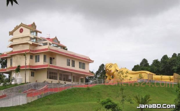 ঘুরে আসুন কক্সবাজার রামুর বৌদ্ধ বিহার