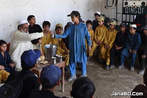 ৯৬ সন্তানের বাবা পাকিস্তানের তিন 'বীর' পুরুষ