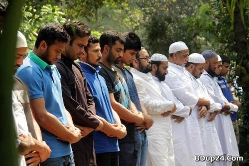 জাতীয় দলের মুসলিম ক্রিকেটাররা পাঁচ ওয়াক্ত নামাজি, জানালেন মাশরাফি